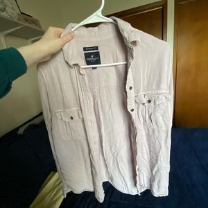 American Eagle light pink shirt